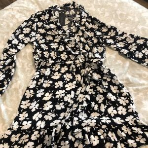 Black & white floral long sleeve wrap dress